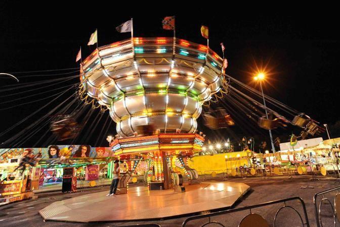 Il luna park di Brescia in una sera d'agosto - fotografo: stefano cavicchi / corriere d sera