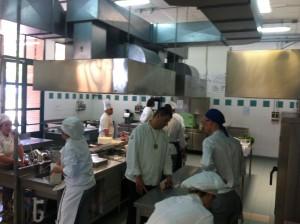 I giudici controllano l'operato dei giovani Chef