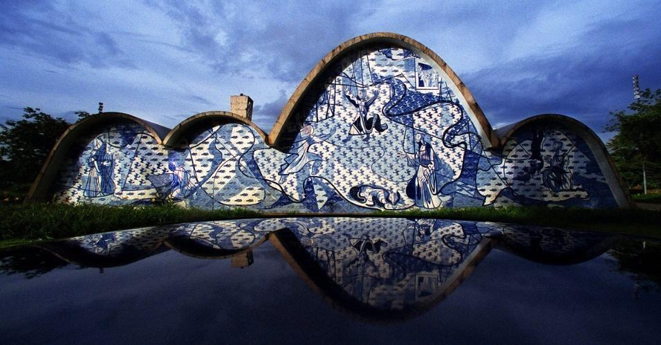 Oscar Niemeyer, Chiesa di San Francesco d'Assisi, Belo Horizonte, Minas Gerais, Brasile