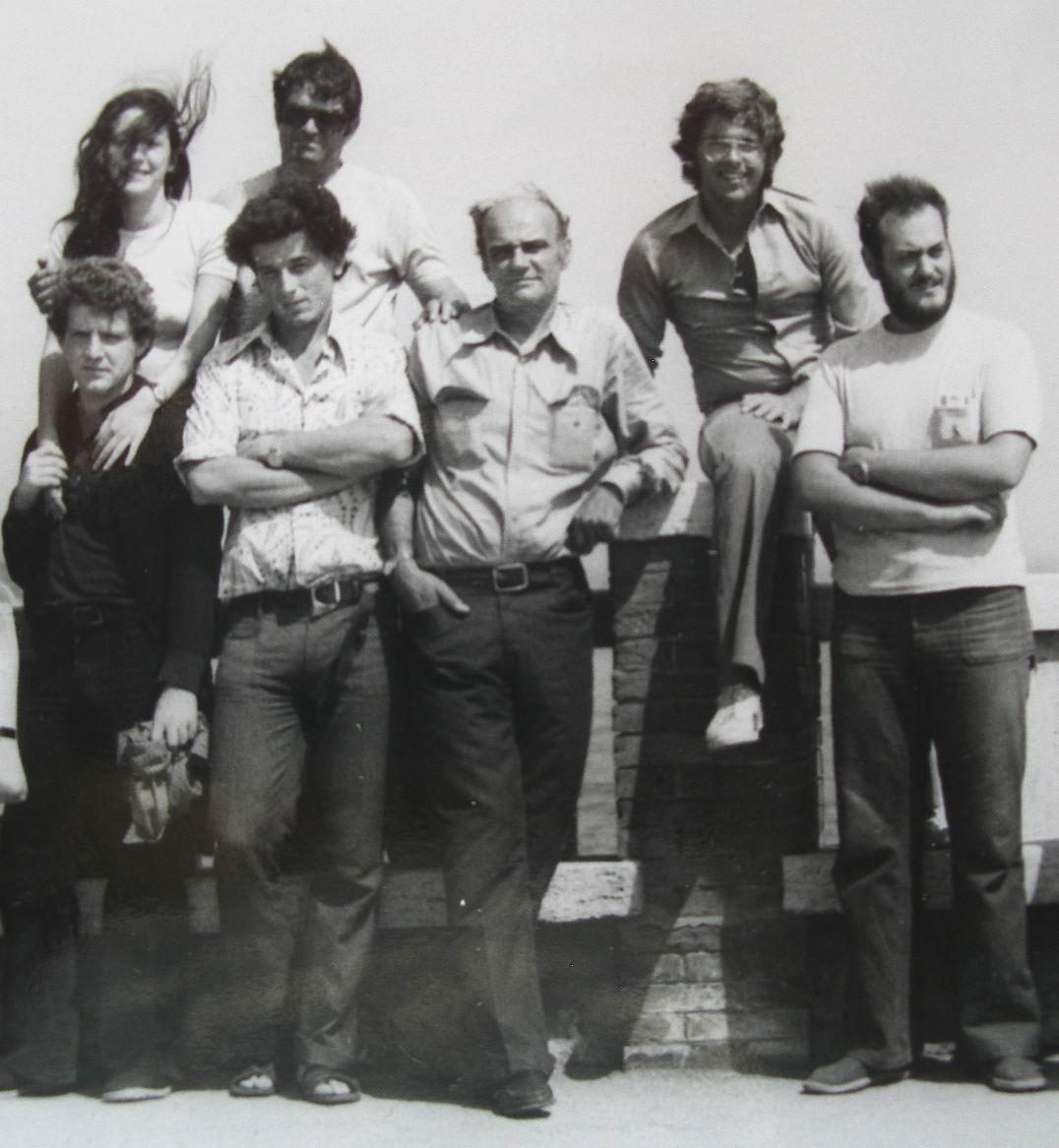 1974 Piombino, in piedi da destra verso sinistra: Andrea Gennari, il maestro Fernando Farulli, Sergio Michilini e Adriano Bimbi