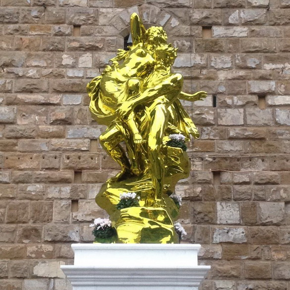 Jeff-Koons-Pluto-and-Proserpina-2010-13-on-show-in-Florence-next-to-the-replica-of-Michelangelo-s-David-photo-cc-Flickr-Jameson-Fink_92769_1