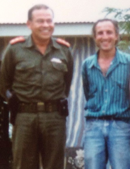 Teniente Coronel ROBERTO CALDERON MEZA  con el maestro GIANCARLO SPLENDIANI