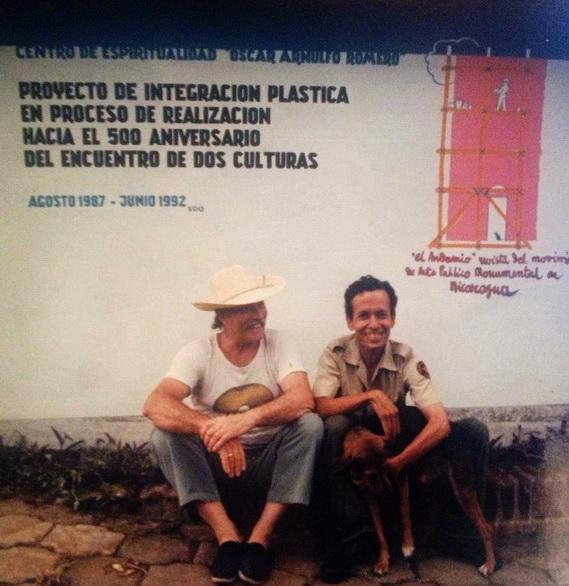 El maestro italiano Aurelio C. con su alumno policia Jorge Silvio Muniz Franco