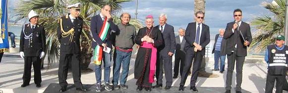 Manfredonia, inaugurazione della statua equestre