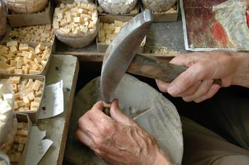 tecnica del mosaico tagliato-cut enamel glass mosaic  techni