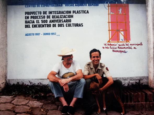 El maestro AURELIO C. con su alumno pintor/policia JORGE FRANCO en el CEMOAR iniciando el Proyecto en el 1987