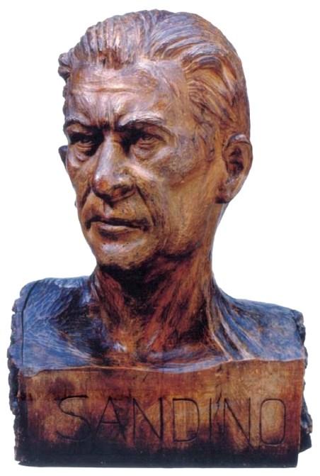 Roberto de la Selva «Sandino» en madera